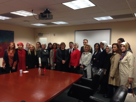 Delegation of Turkish business women meet with Mayor Parker.